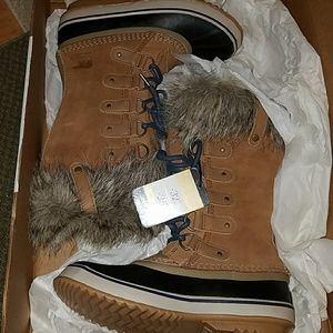 New without box Sorel Joan of Arctic boots